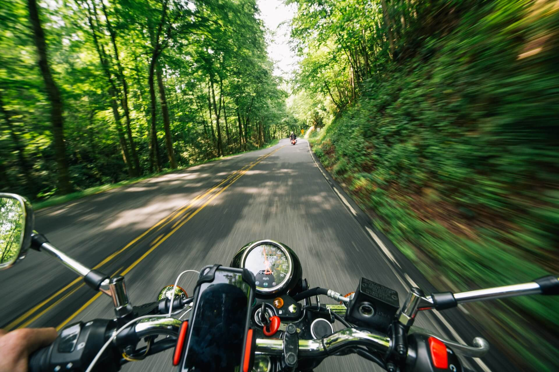 Biker Tour durch den Wald